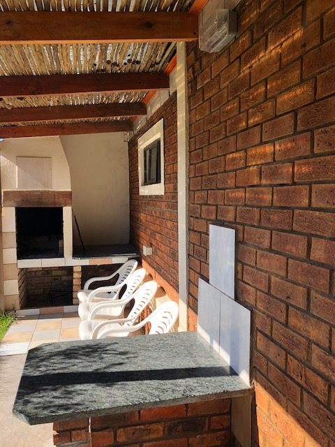 Ry verby | Port Nolloth Beach House Accommodation
